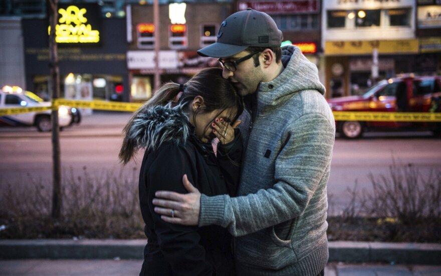 Полиция считает теракт основной версией инцидента в Торонто