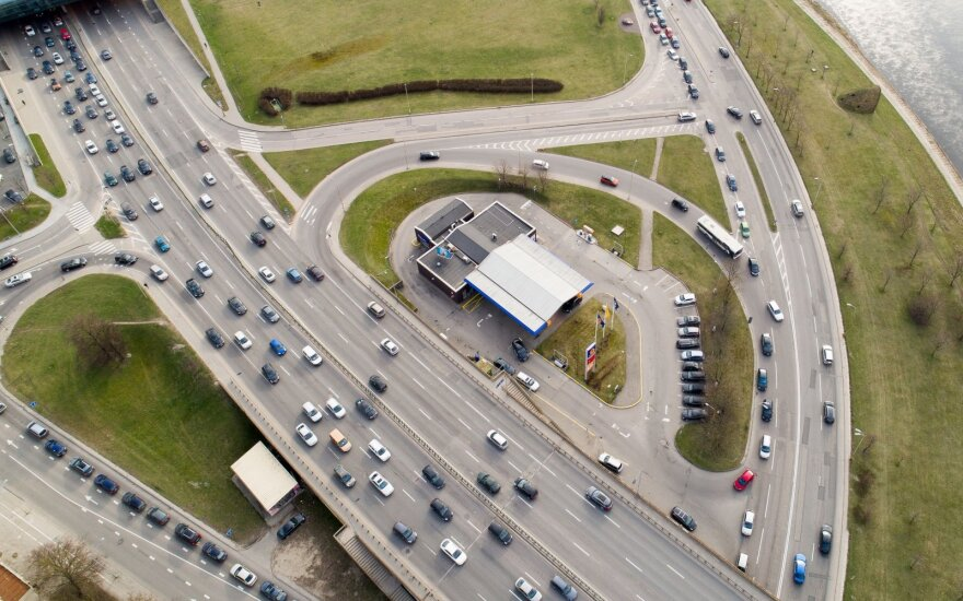Премьер Литвы: налог на автомобили и недвижимость введут с 1 января