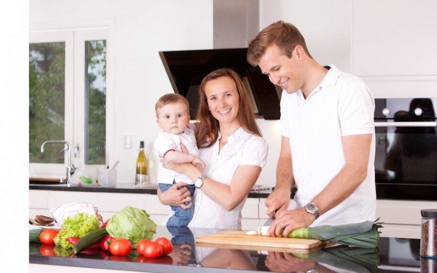 В вопросе концепции семьи мнения жителей разделились почти пополам