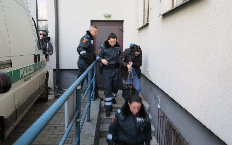 Задержана мать, выбросившая новорожденную дочь в контейнер