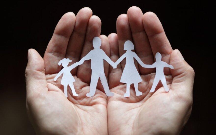 Новое правительство отказывается идти под флагом традиционной семьи