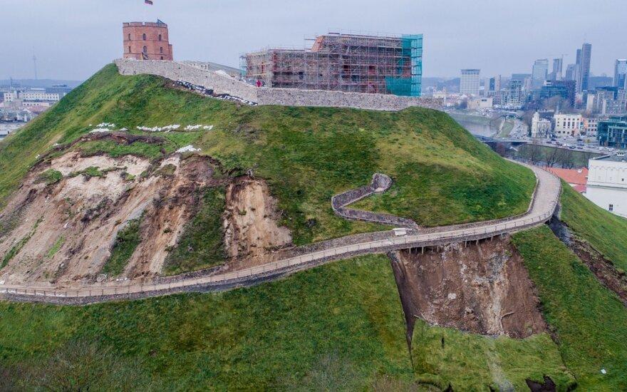 Геологи предупреждают: на горе Гедиминаса будут новые оползни