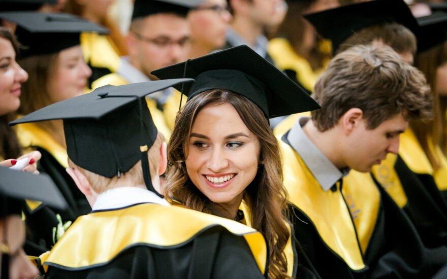 Иностранные студенты смогут остаться в Британии на два года для поиска работы