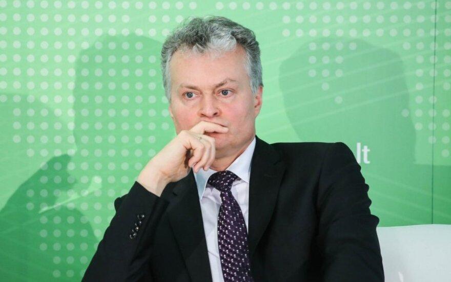 Robertas Bergqvistas, Gitanas Nausėda