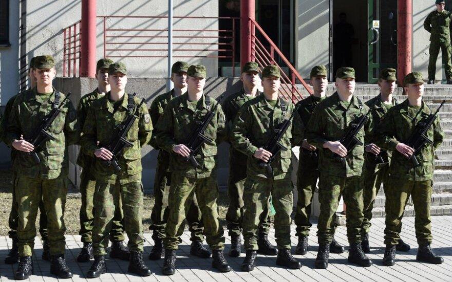 В Клайпеде к службе приступили первые призывники