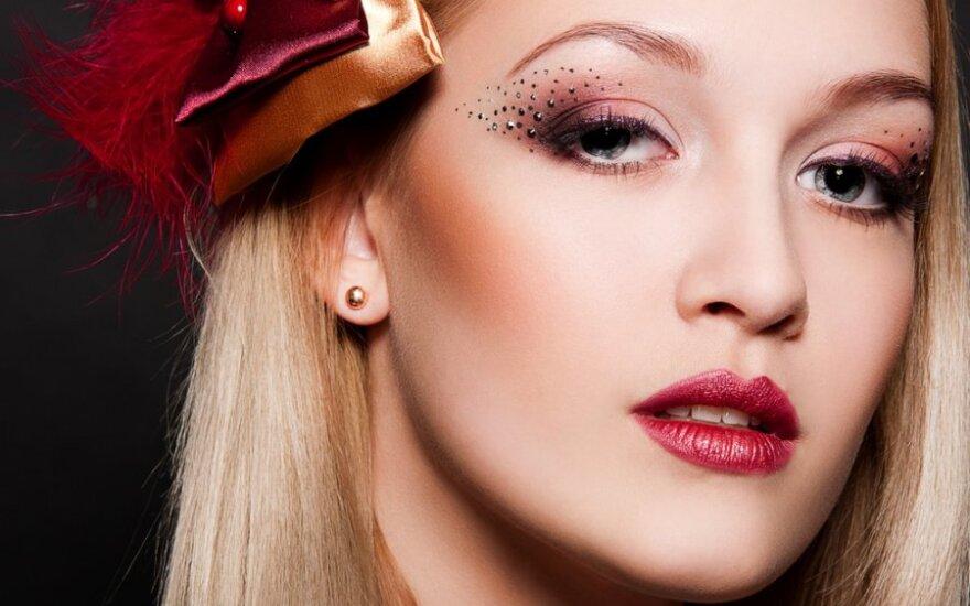 Тенденции макияжа весна-лето 2013