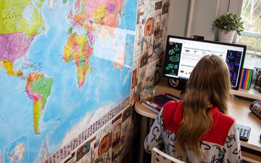 Литовские школы готовятся к переходу на удаленное обучение