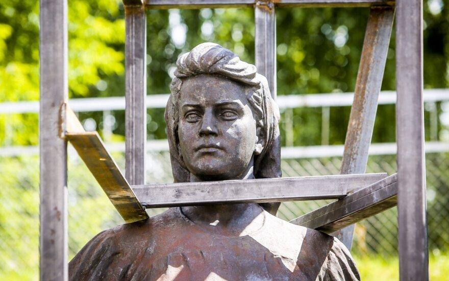 Вильнюс согласился бы обменять советские скульптуры на ценности Литвы в РФ