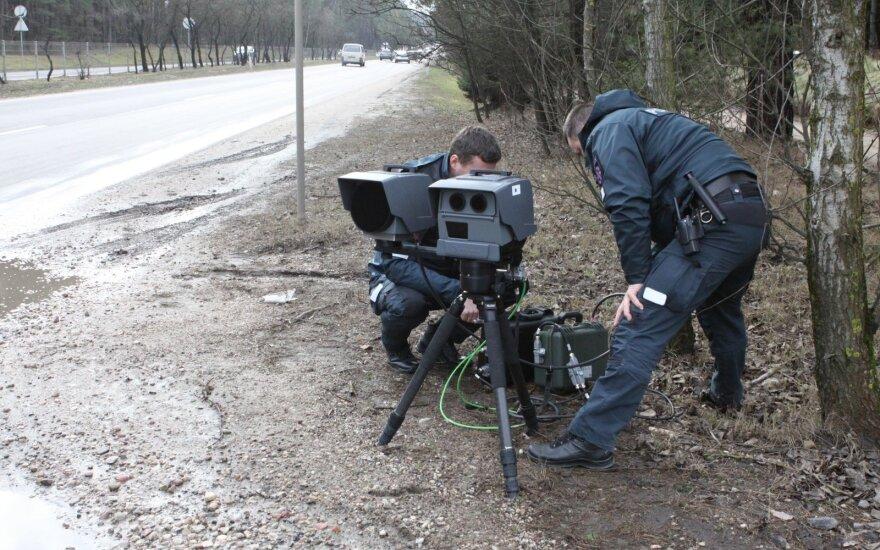 Мобильный радар зафиксировал в Каунасе Mini Cooper, мчавшийся на скорости 148 км/ч