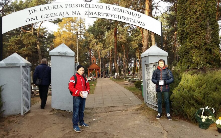Kwesta na Niemenczyńskim cmentarzu na rzecz Rossy