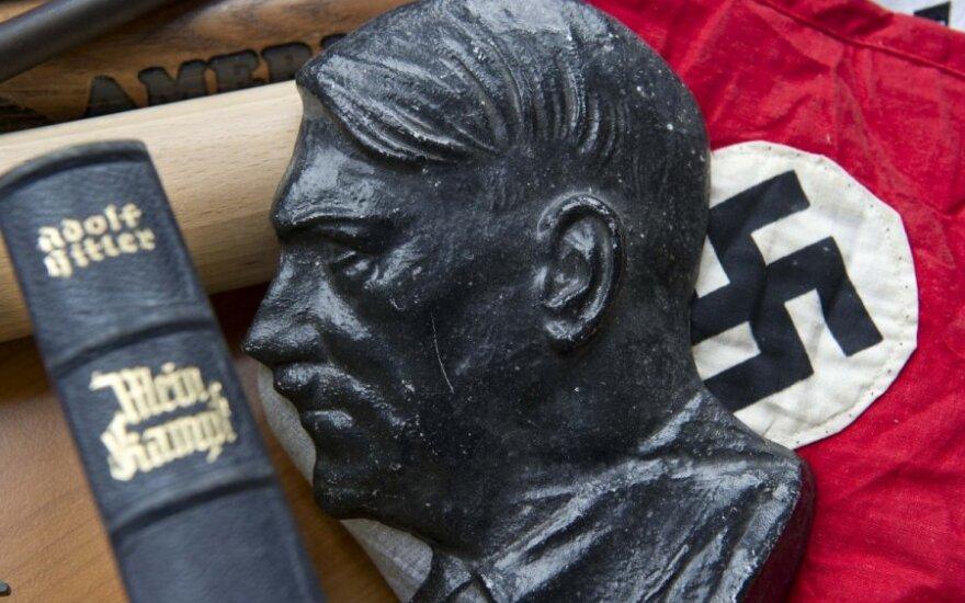 """Korea Północna: Nowy przywóca zalecił ludziom ze swojego otoczenia czytanie """"Mein Kampf"""""""