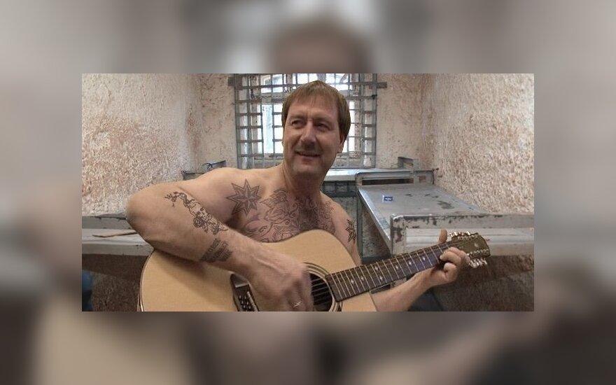Internautai jau regi V. Uspaskichą kalėjime