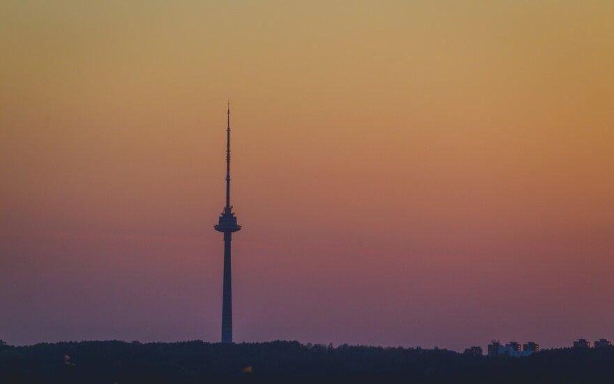 В Вильнюсе на этой неделе будут красить антенну на телебашне
