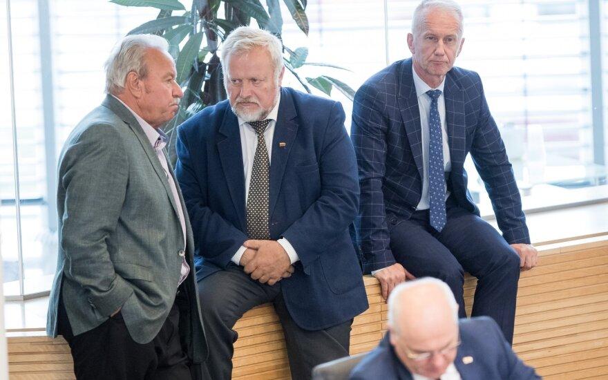 Парламент Литвы выразил доверие премьеру Саулюсу Сквернялису