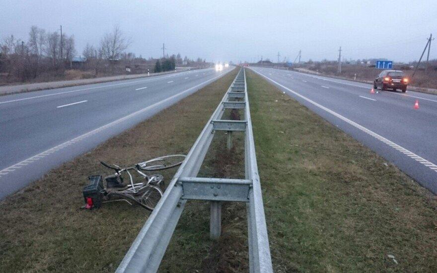 В аварии погиб велосипедист, водитель автомобиля в больнице
