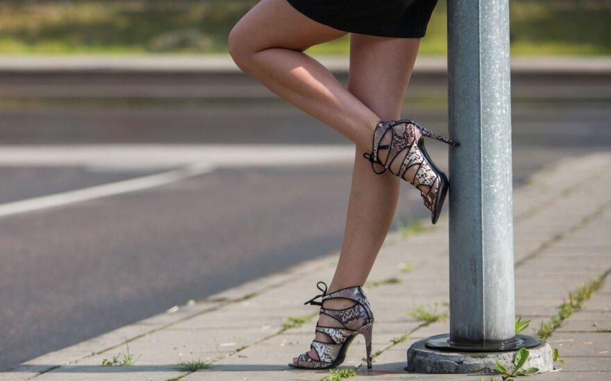 """Cкандал в полиции Швейцарии: проститутки, оргии, вербовка девушек и оплата """"натурой"""""""