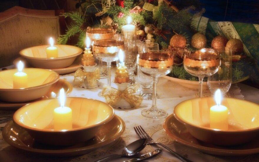 ТОП-3 варианта простых украшений для новогоднего стола