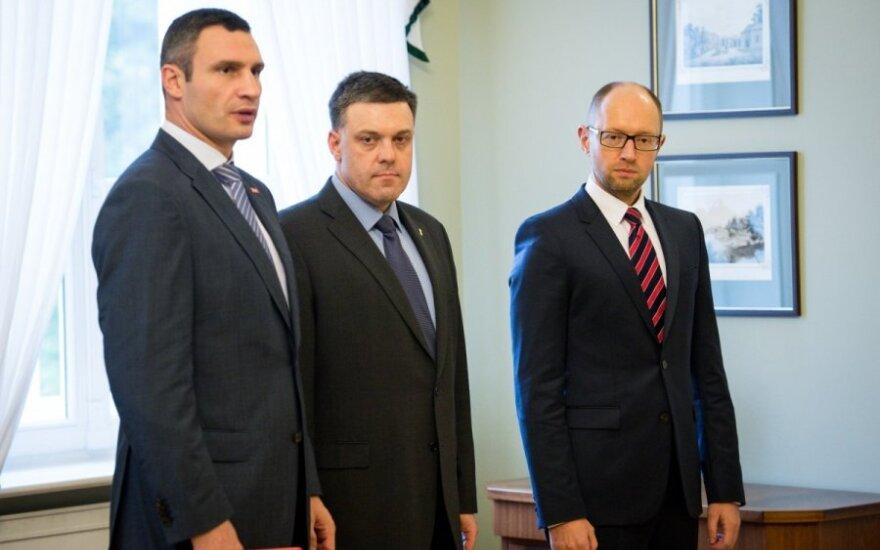 Кличко посоветовал Яценюку и Тягнибоку отказаться от участия в президентских выборах