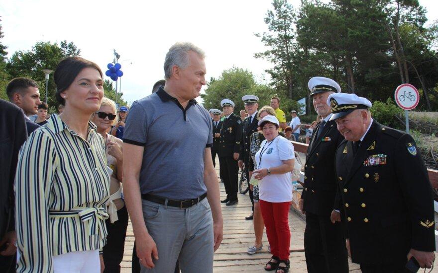 Президент Литвы с супругой посетили Палангу и участвовали в забеге с детьми