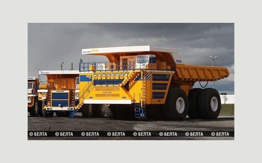 БелАЗ построил самый большой в мире самосвал грузоподъемностью 450 тонн
