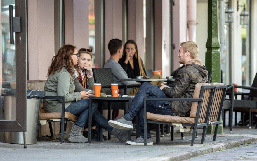 Результаты опроса: жизнью в Литве довольны все больше жителей
