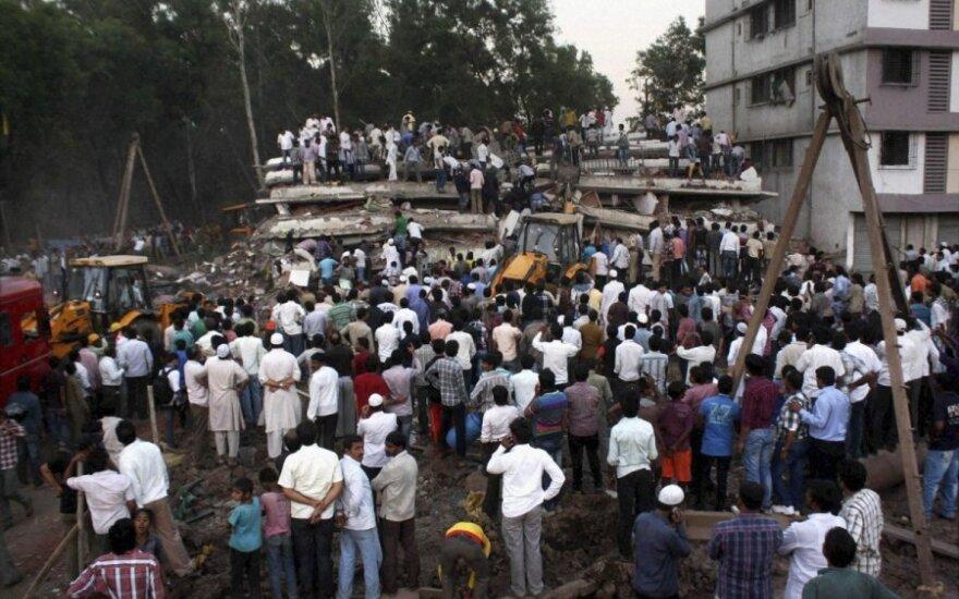 Индия: число погибших при обрушении здания превысило 70 человек