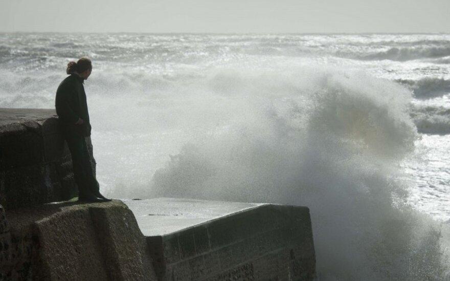 Великобритания готовится к удару урагана St Jude