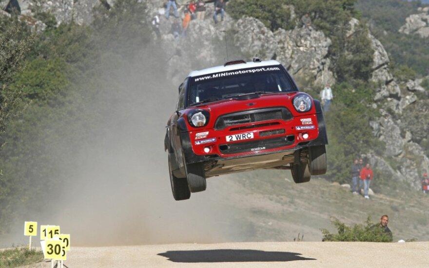 """Mini WRC"" komandos automobilis ralio trasoje"