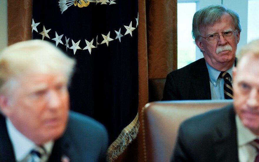Donaldas Trumpas, Johnas Boltonas