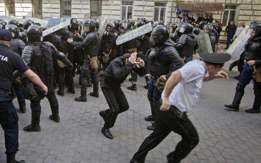 В результате столкновений в Кишиневе пострадали 14 полицейских