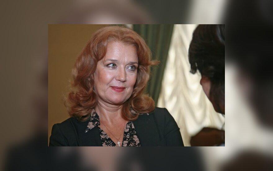 Почему Ирина Алферова не делает пластику