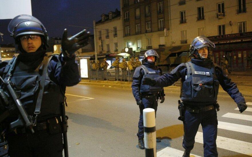 Число жертв терактов в Париже возросло до 130 человек