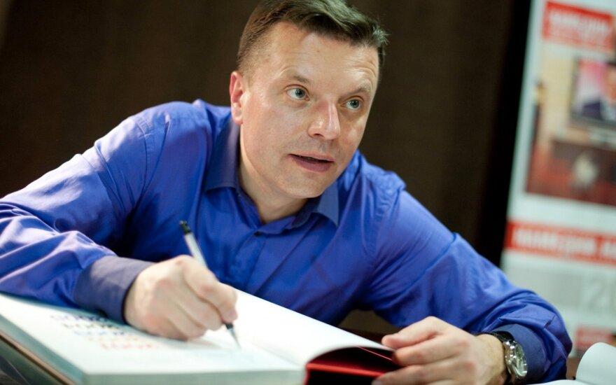"""ВИДЕО: Парфенов выпустил первую с 2004 года серию """"Намедни"""""""