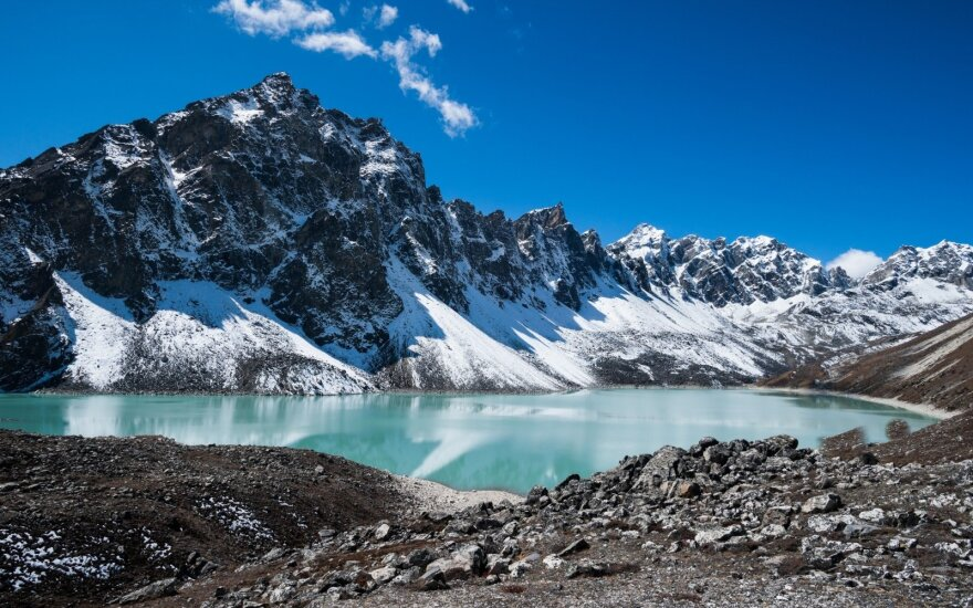В Гималаях ищут пропавших альпинистов