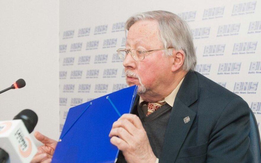 Витаутас Ландсбергис посвятил памяти Шапранаускаса стихотворение
