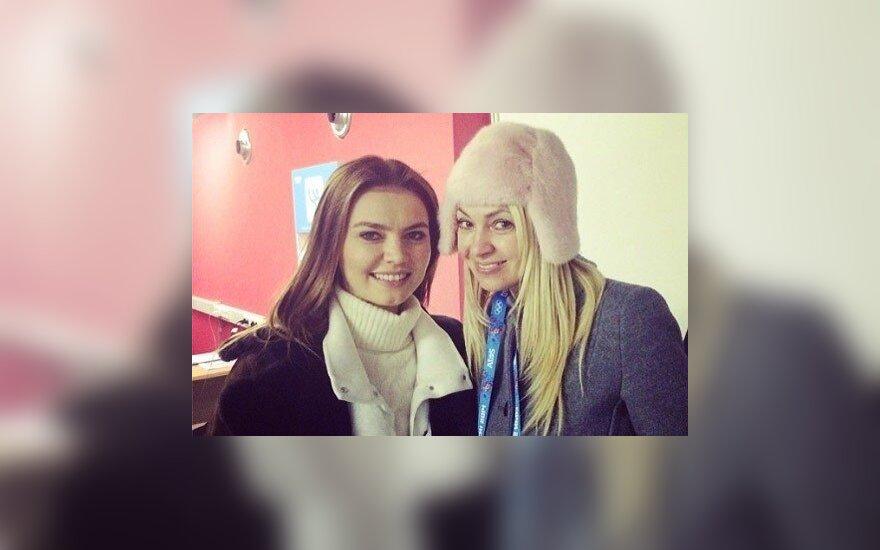 Жена Плющенко опубликовала фото с Кабаевой