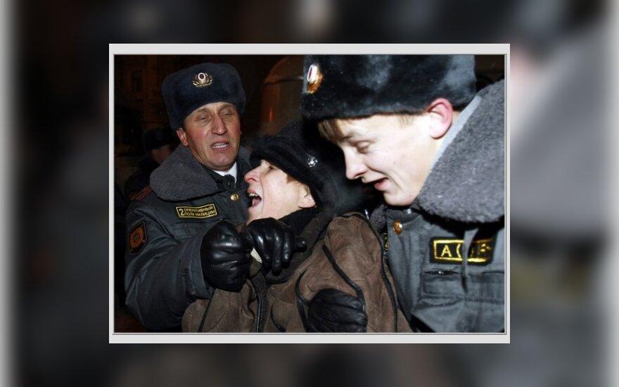 """Глава ГУВД Москвы за ужесточение наказания """"несогласных"""""""