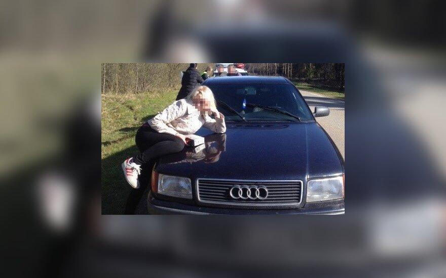 Пограничник остановил пьяного водителя Audi 100