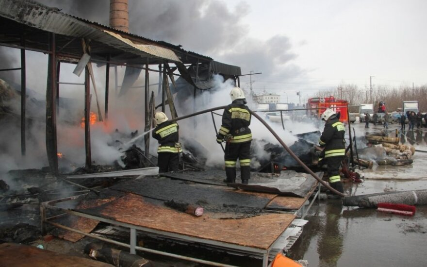 Пожар в торговом центре Казани: число жертв растет