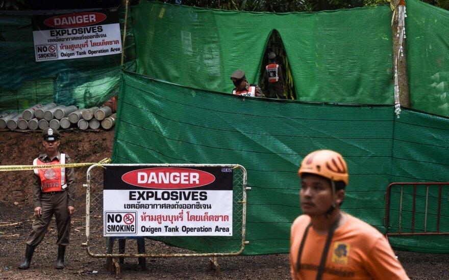 В Таиланде проходит операция по вызволению детей из затопленной пещеры