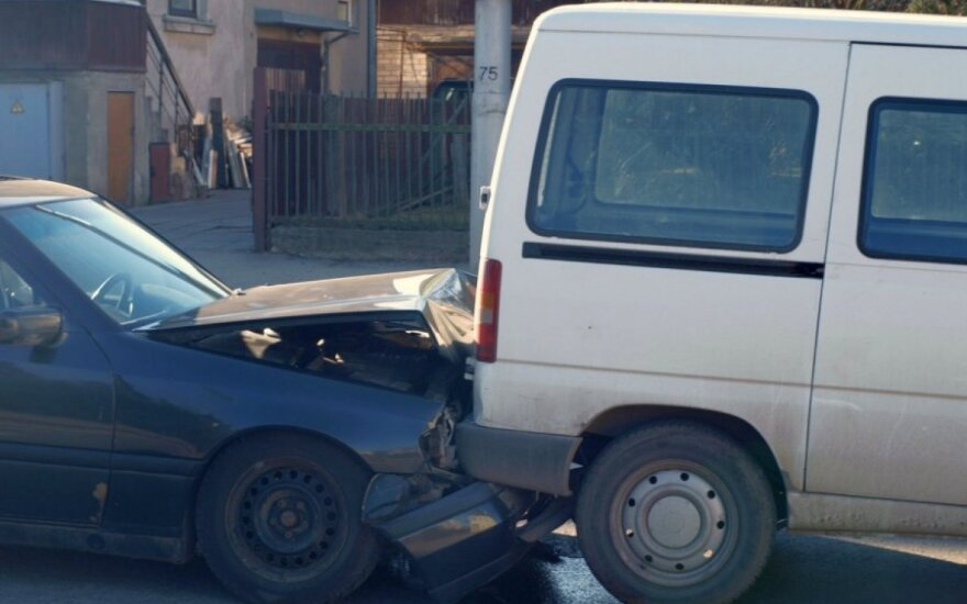 Каунас: на пешеходном переходе - столкновение трех автомобилей