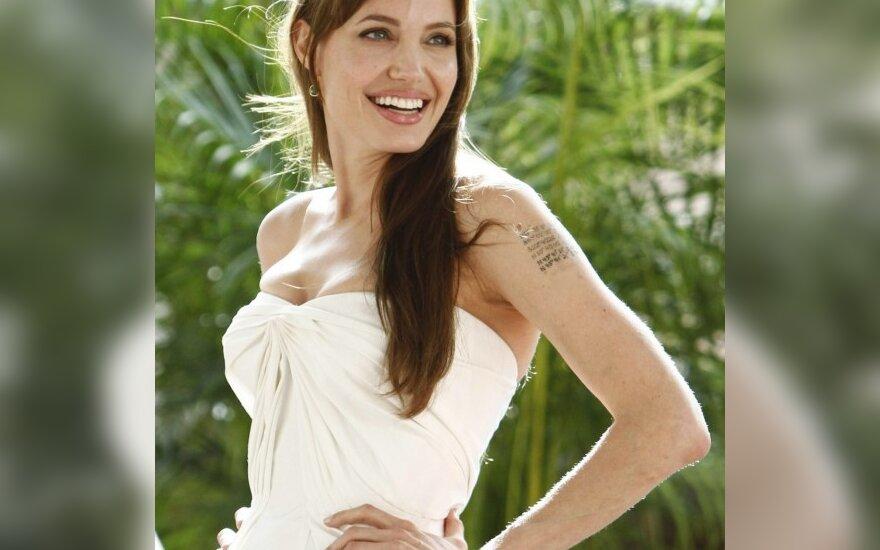 Анджелина Джоли полюбила русский язык