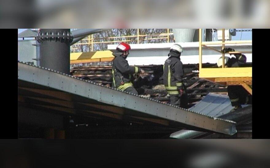 Из-за пожара были эвакуированы работники Panevėžio stiklas