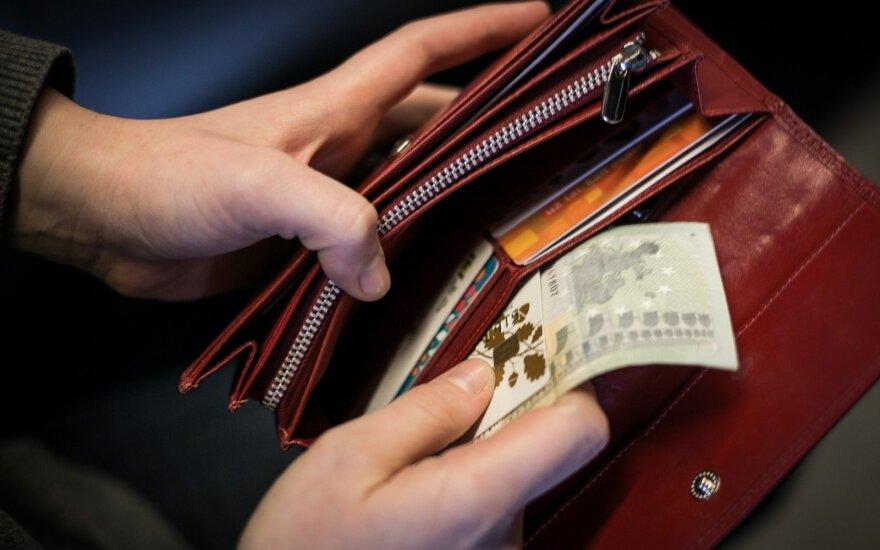 Politikų ir valdininkų piniginės gali pilnėti