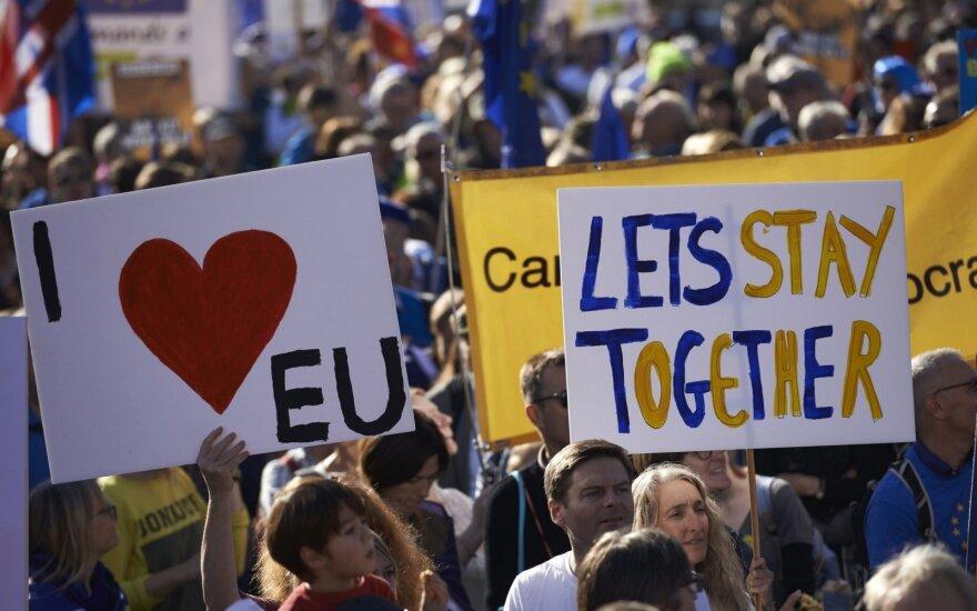 """Londone – tūkstančių protestas prieš """"Brexit"""""""