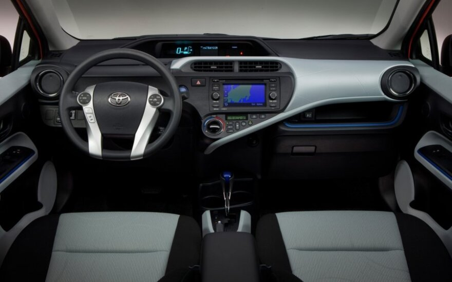 Гибрид Toyota Prius C расходует 2,82 литра на 100 км