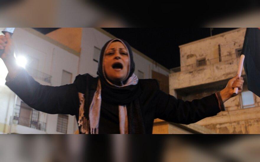 Maištininkų pajėgos Libijos Bengazio mieste džiugiai sutiko žinią apie patvirtintą JT rezoliuciją
