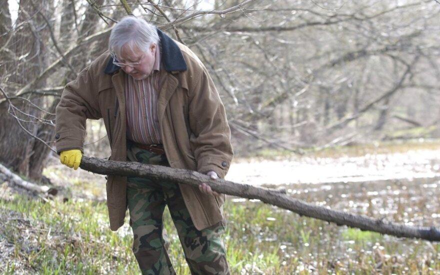 Ландсбергис: в Литве есть червяки, которые точат плод независимости