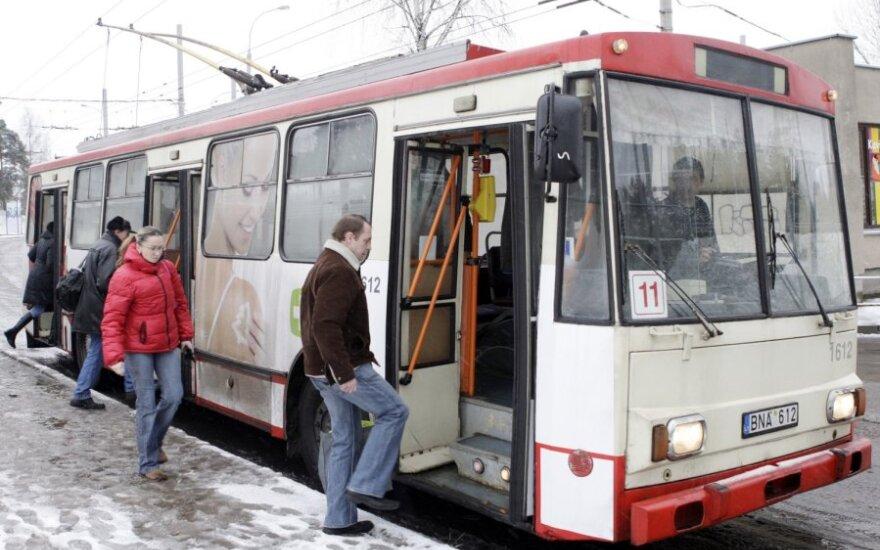 Вильнюсское самоуправление планирует отменить 18 маршрутов автобусов и троллейбусов