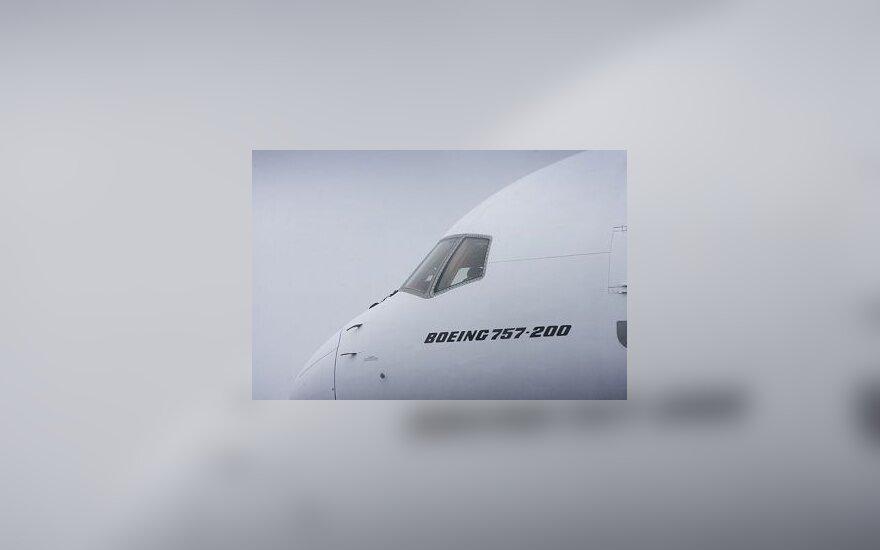 "Lėktuvas ""Boeing 757-200"""